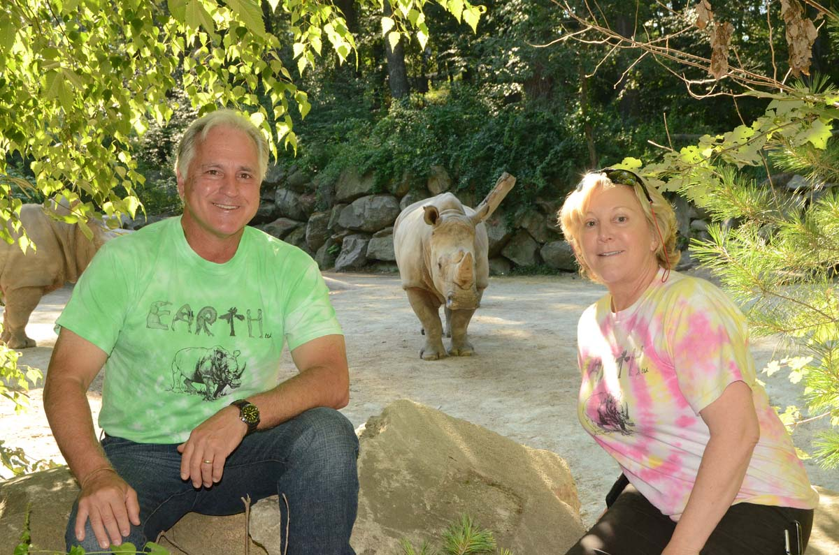 Bill and Betsey Southwick's Zoo 01214 RB 2150 low res